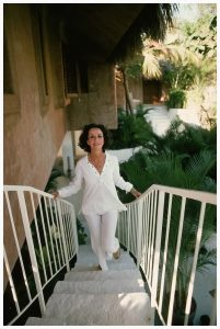 s-at-her-beach-house-in-acapulco-mexico-in-february-1975