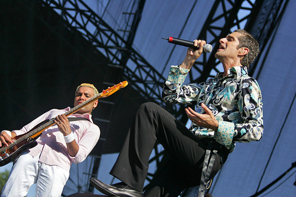 Perry Farrell performing in psychedelic silk (photo courtesy of Rolling Stone).