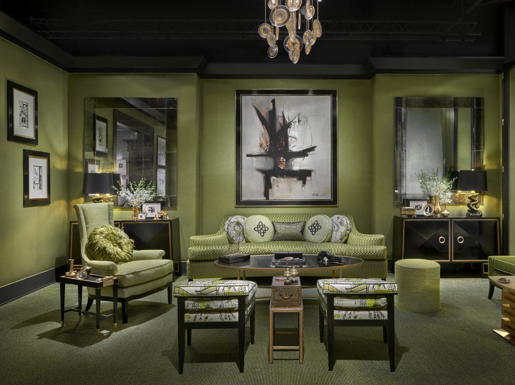 Those touches of black and gold make these shades of green more opulent.