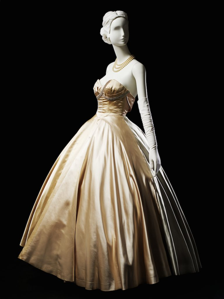 color-blocked strapless ball gown; ball gown, fall 1951. Gift of Mrs. Watson Armour, III; 1962.294.