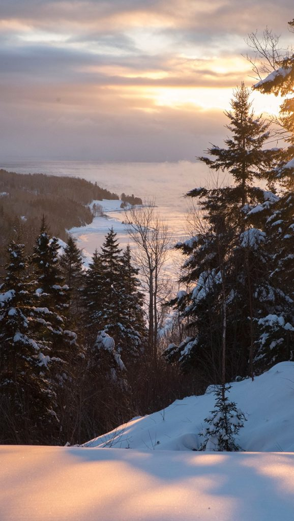 A winter morning in Murray Bay photographed by Luc Antoine Couturier.
