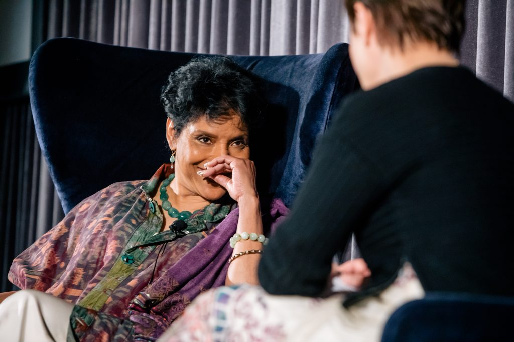 2017 Honoree Phylicia Rashad in conversation with Steppenwolf Artistic Director Anna D. Shapiro. Photo by Kyle Flubacker.