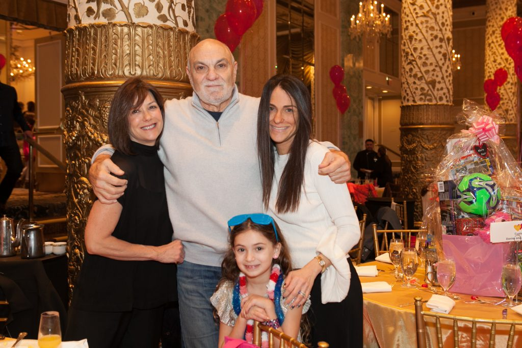 Lisa Larsen, Mike Isaacs, Event Co-Chair Jennifer Meyers, and Sienna Meyers (Chicago).